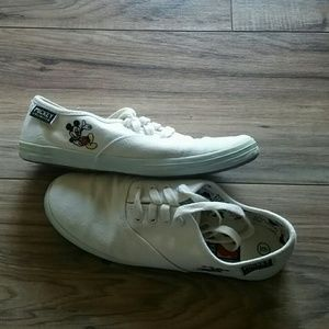 Mickey Mouse white canvas shoes